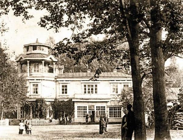 Дом Тенишевых в бежицком Майском парке. Фото 1923–1926 годов